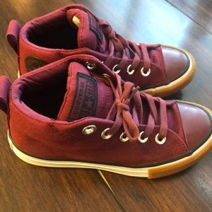 Boys Converse Hightop. Burgundy/Dark Red 💙🚗💙🚗